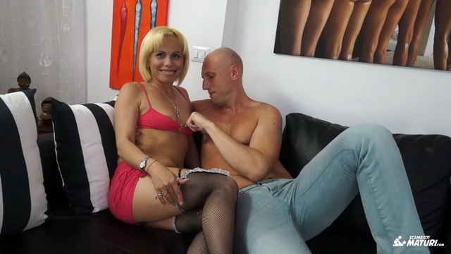 Slutty blonde Latina mature Analisa Lovex craves anal and cumshot from Italian swinger