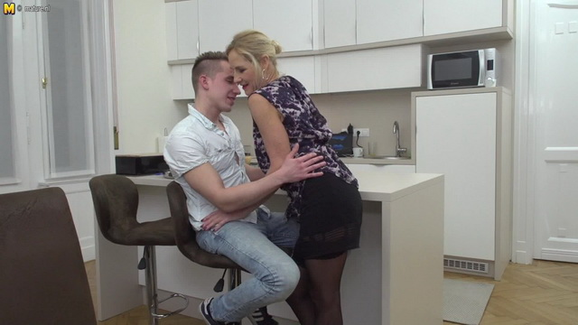 British mature slut Molly Maracas sucking and fucking her toy boy