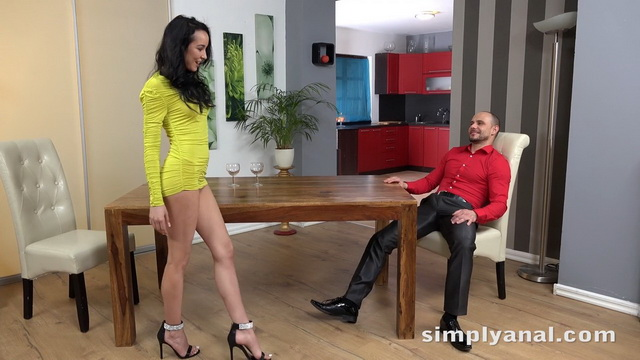 Hot Brazilian milf Francys Belle opens high-heeled legs for anal after a drink