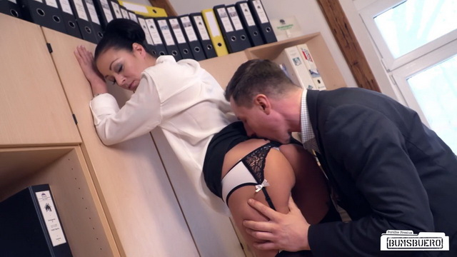 Mischievous German secretary Mareen Deluxe gets cum on pussy after raunchy fuck with boss