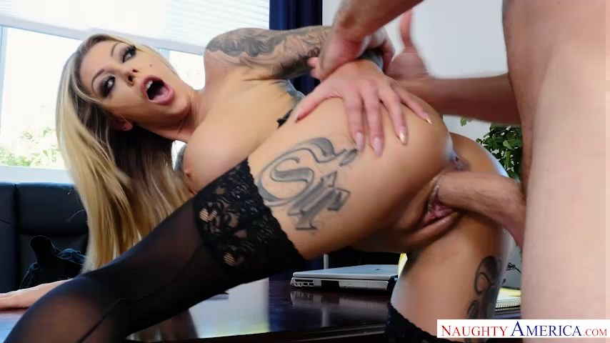 Hot bombshell Karma Rx parts legs in black holdups for a big dick business deal