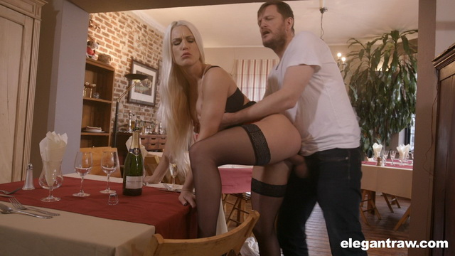 Busty anal-loving blonde Blanche Bradburry opens up stockinged legs for her date