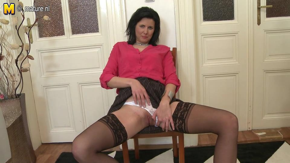 Milf dark red hair