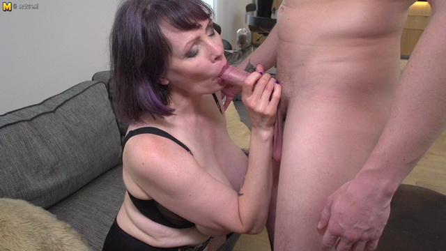 UK mature Tigger gets it on with a youngster in her black lingerie & stockings