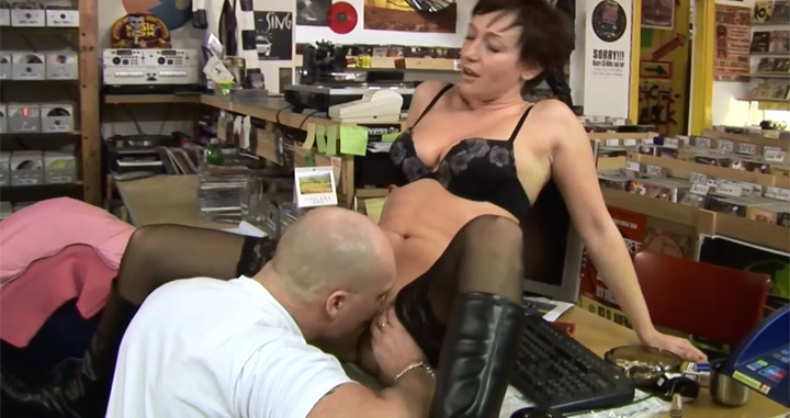 Inventive but broke businesswoman offers a kinky nylon sex payout