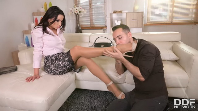 Sexy Romanian milf Alyssia Kent gets her stockinged legs worshipped for foot sex