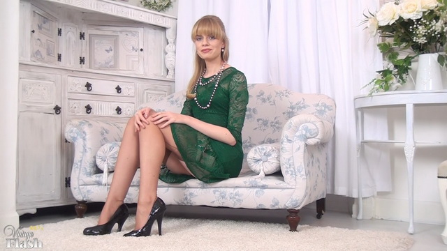 British blonde Heidi Bush from Vintage Flash