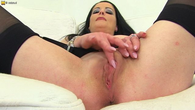 Naughty British housewife Sarah Kelly playing with her pussy