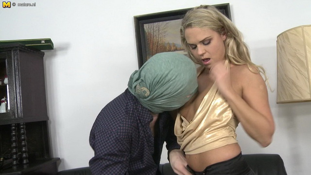Dolled-up milf in golden pumps Barra Brass gets her pussy and butt robbed hard