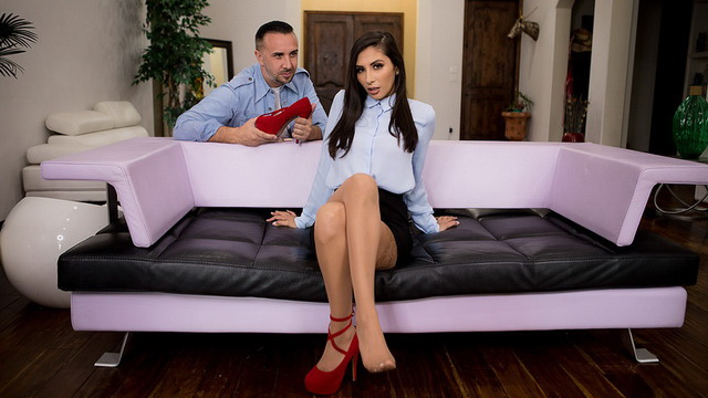 Gianna Dior gives a nylon footjob & opens long legs as a reward for her lost pump