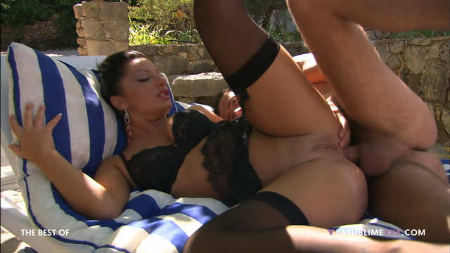 Priscilla Salerno spreads in her black lingerie and stockings for outdoor anal