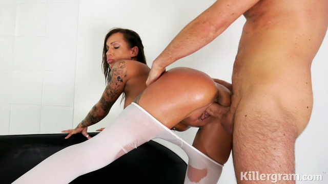 Super-busty Chantelle Fox dicked in her smeared with oil and ripped white tights