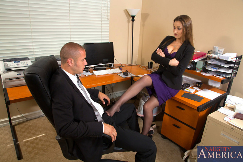 Black-stockinged lady-boss Dani Daniels challenges her womanizing employee