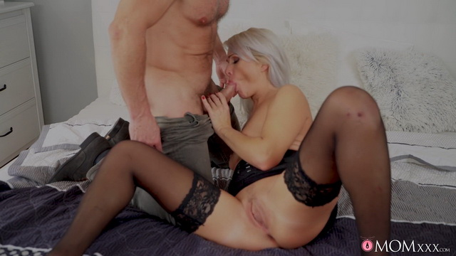 Blonde Czech mom Kathy Anderson parts legs in stockings & heels for sex marathon