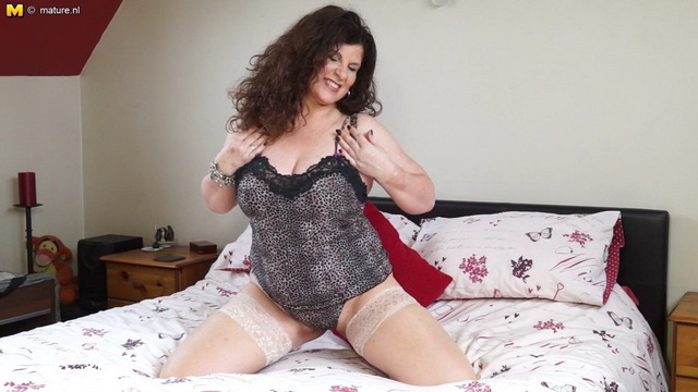 Naughty British housewife Gilly Sampson playing with herself