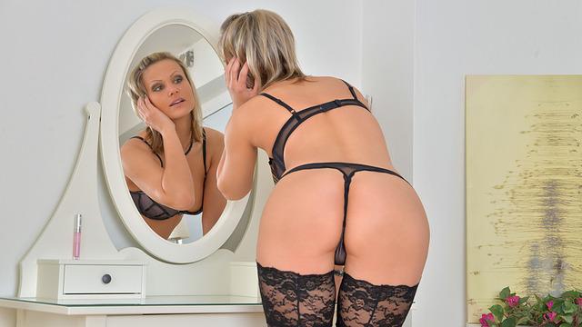 Tall blonde milf fucked