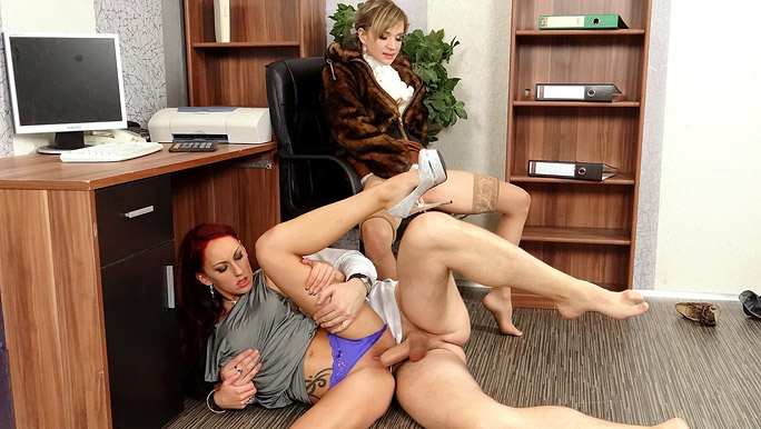 Stockinged chick joins in a threesome office slam-bang screwing