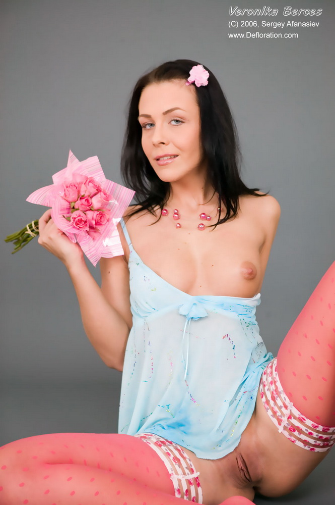 Damn sexy anice girl losing her virginity her titts